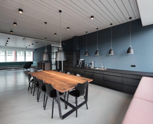 кухня в офисе после ремонта